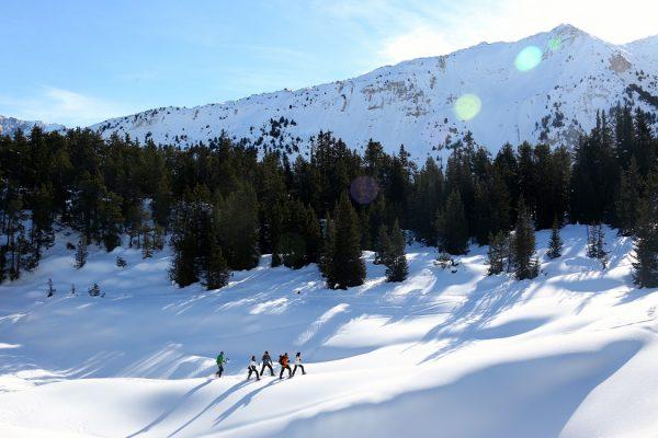 balade accompagnée en raquette à neige départ courchevel